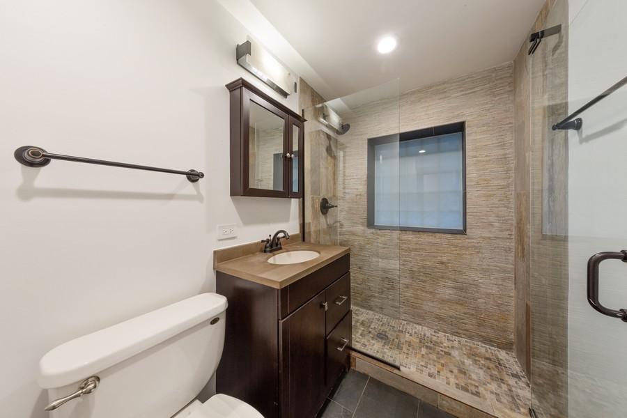 Real Estate Photography - 3537 Hoyne, Chicago, IL, 60657 - Bathroom