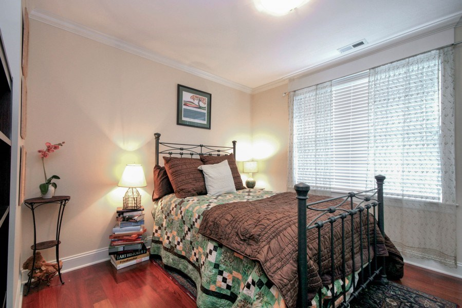 Real Estate Photography - 643 W Wellington, 4, Chicago, IL, 60657 - 2nd Bedroom