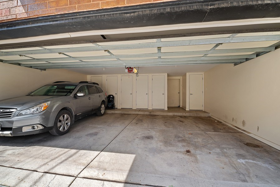 Real Estate Photography - 643 W Wellington, 4, Chicago, IL, 60657 - Garage