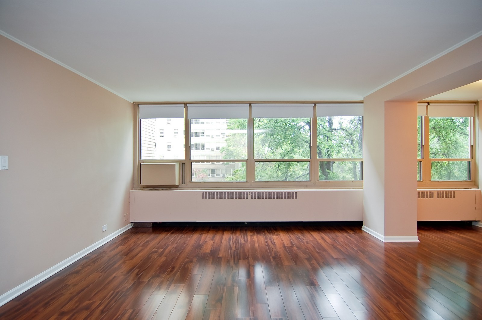 Real Estate Photography - 3950 N. Lake Shore Dr., 328E, Chicago, IL, 60613 - Living Room