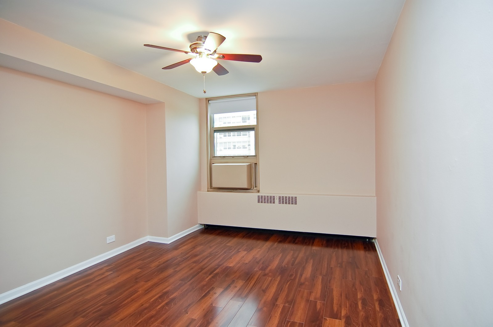 Real Estate Photography - 3950 N. Lake Shore Dr., 328E, Chicago, IL, 60613 - 2nd Bedroom