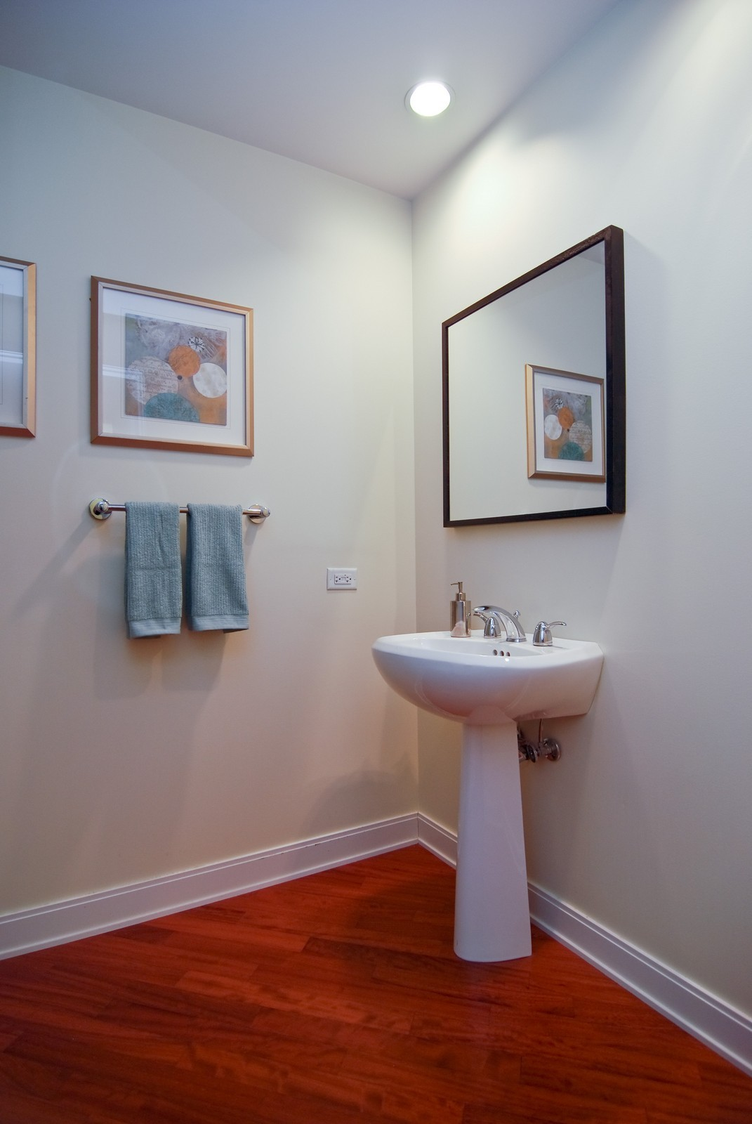 Real Estate Photography - 130 N. Garland Ct., 2903, Chicago, IL, 60602 - Half Bath