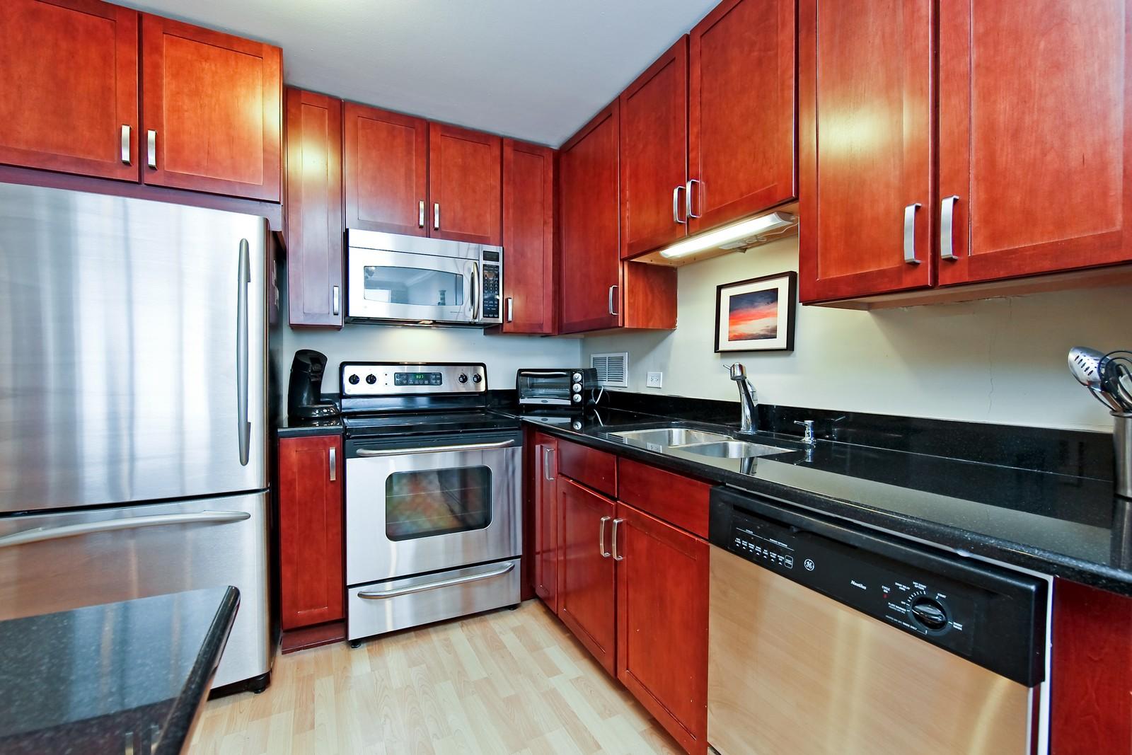 Real Estate Photography - 1360 Sandburg, 2103, Chicago, IL, 60610 - Kitchen