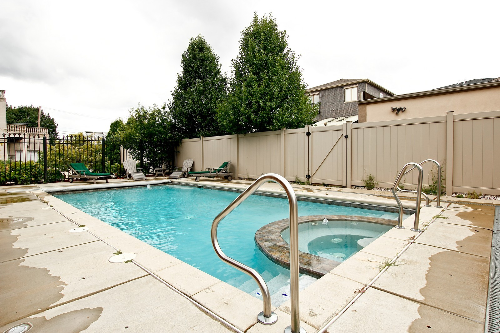 Real Estate Photography - 444 W. 38th Street, Chicago, IL, 60609 - Outdoor Pool