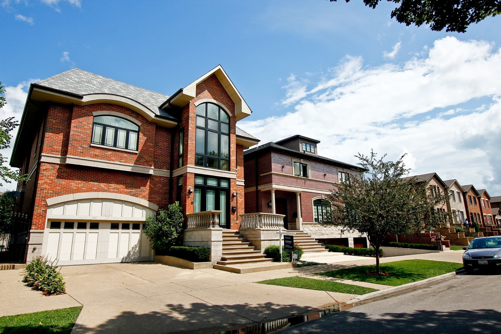 Real Estate Photography - 444 W. 38th Street, Chicago, IL, 60609 - Front View