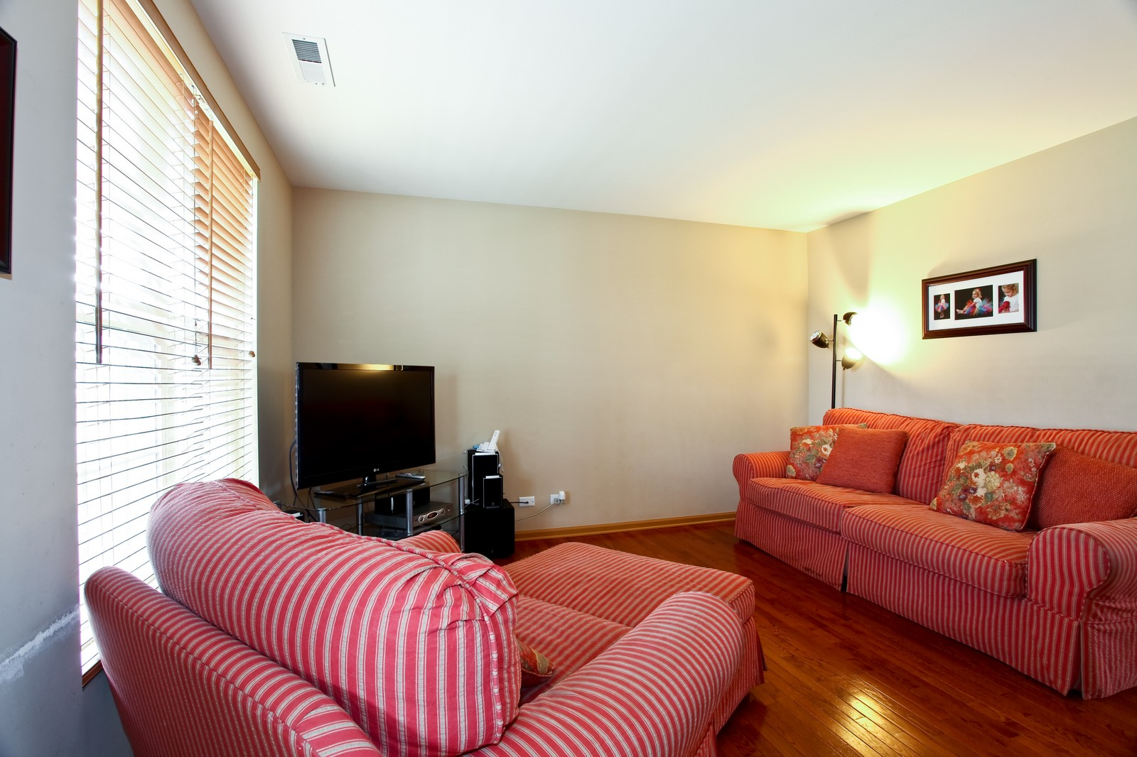 Real Estate Photography - 1745 Rebecca Lane, Aurora, IL, 60504 - Living Room