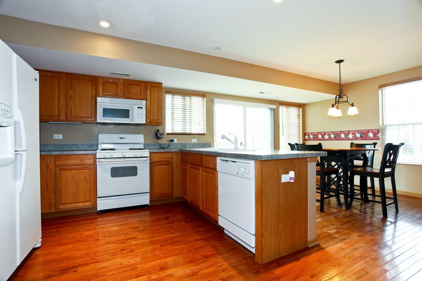 Real Estate Photography - 1745 Rebecca Lane, Aurora, IL, 60504 - Kitchen