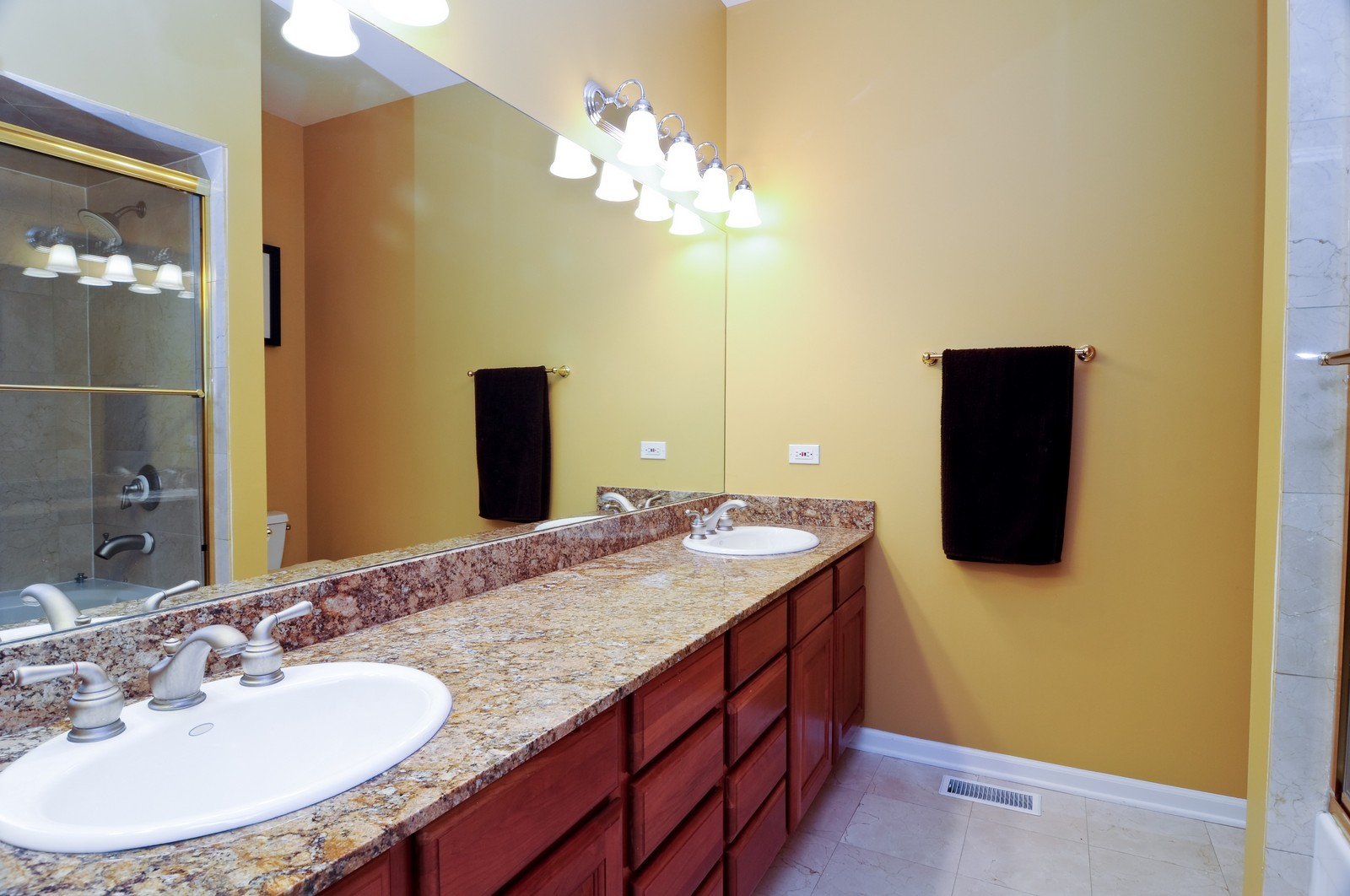 Real Estate Photography - 4024 N. Clark Street, Chicago, IL, 60613 - Master Bathroom