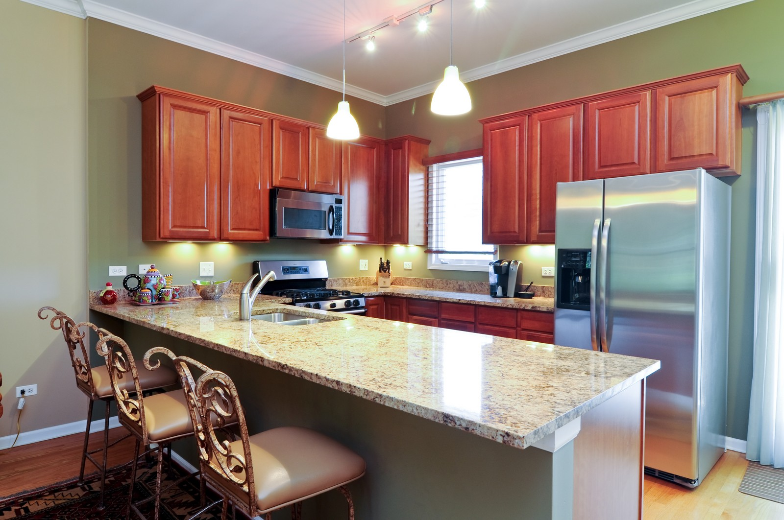 Real Estate Photography - 4024 N. Clark Street, Chicago, IL, 60613 - Kitchen