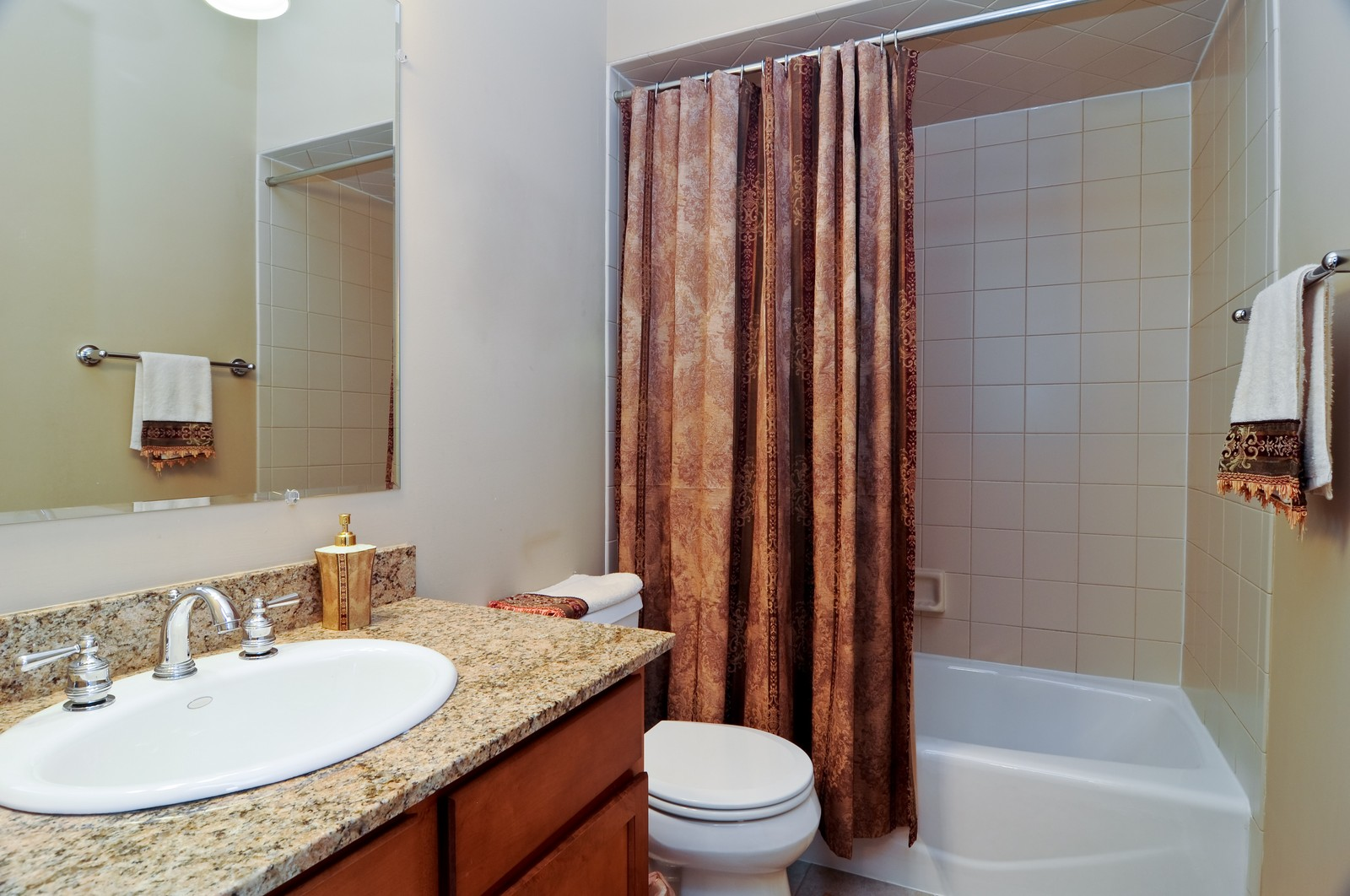 Real Estate Photography - 4024 N. Clark Street, Chicago, IL, 60613 - Bathroom