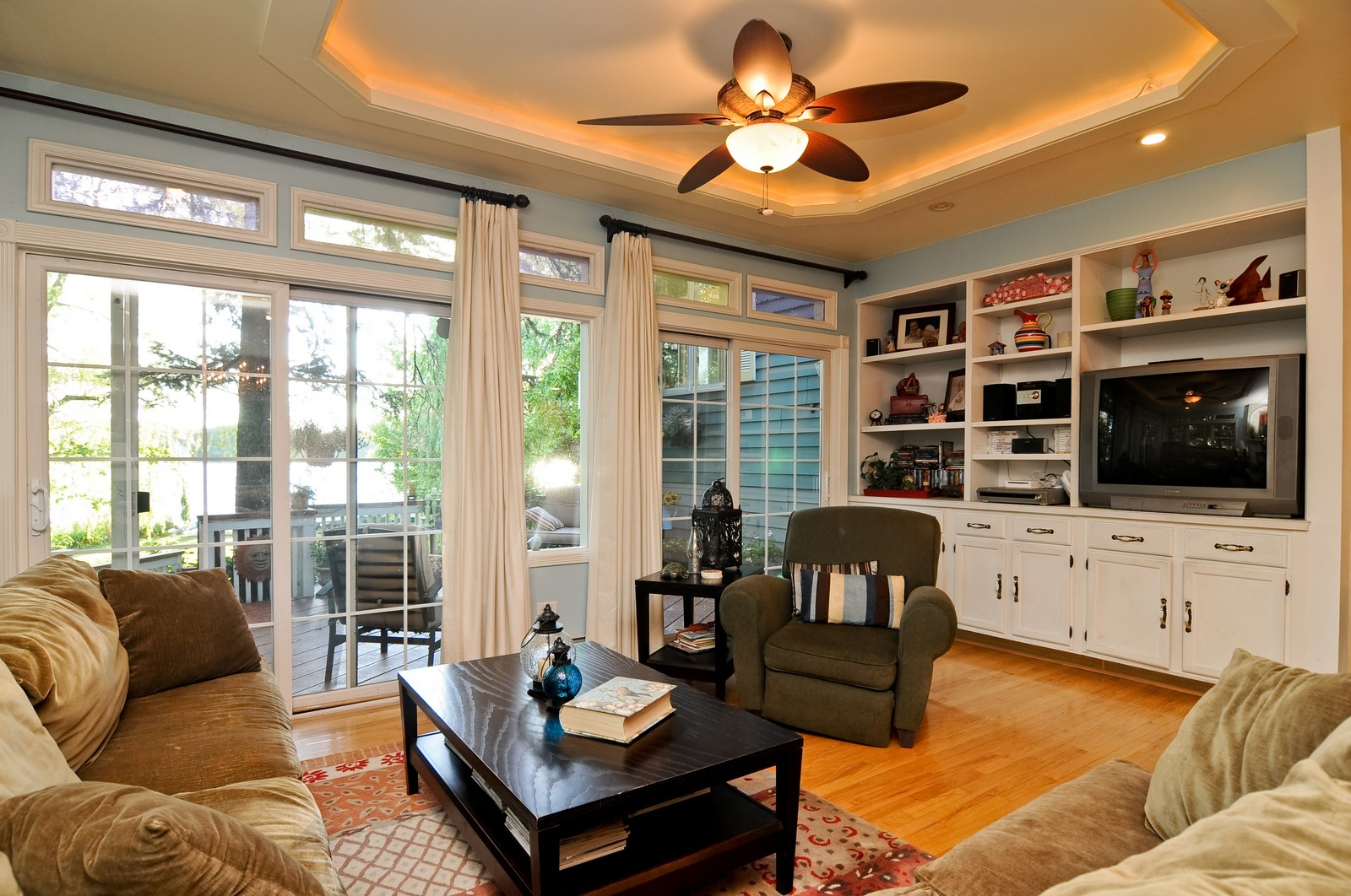 Real Estate Photography - 158 S. Lake, Grayslake, IL, 60030 - Family Room
