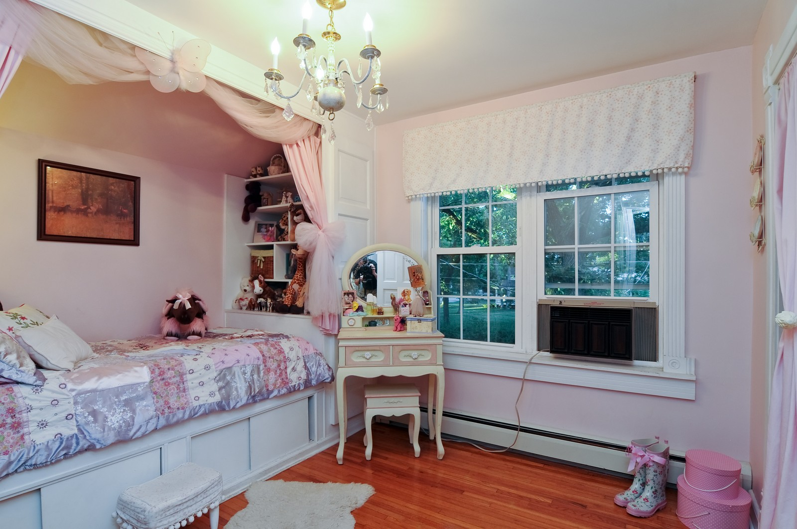 Real Estate Photography - 158 S. Lake, Grayslake, IL, 60030 - 2nd Bedroom