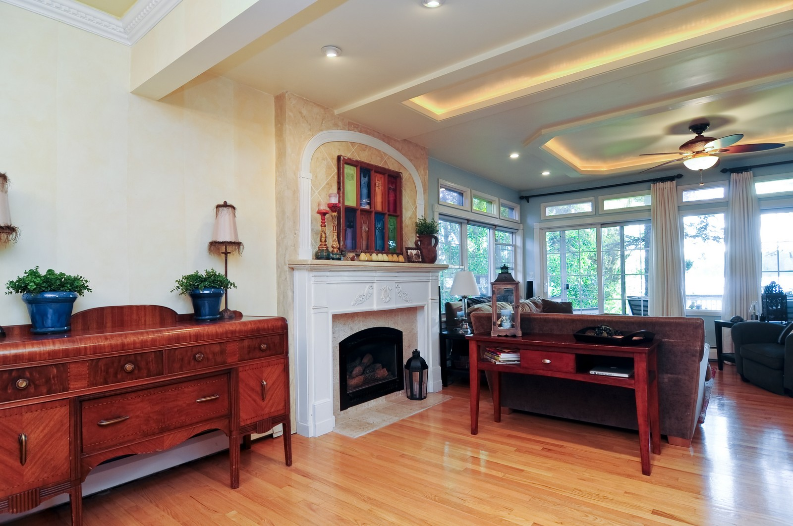 Real Estate Photography - 158 S. Lake, Grayslake, IL, 60030 - Dining Room