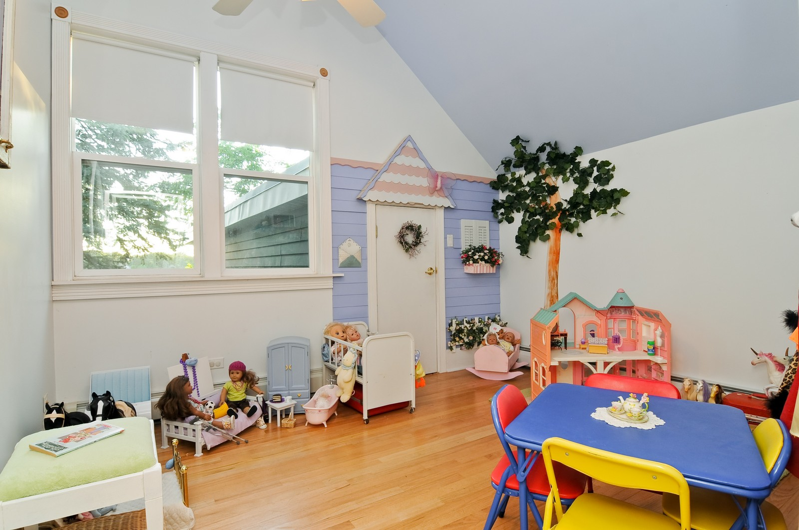 Real Estate Photography - 158 S. Lake, Grayslake, IL, 60030 - Play / Recreational Room