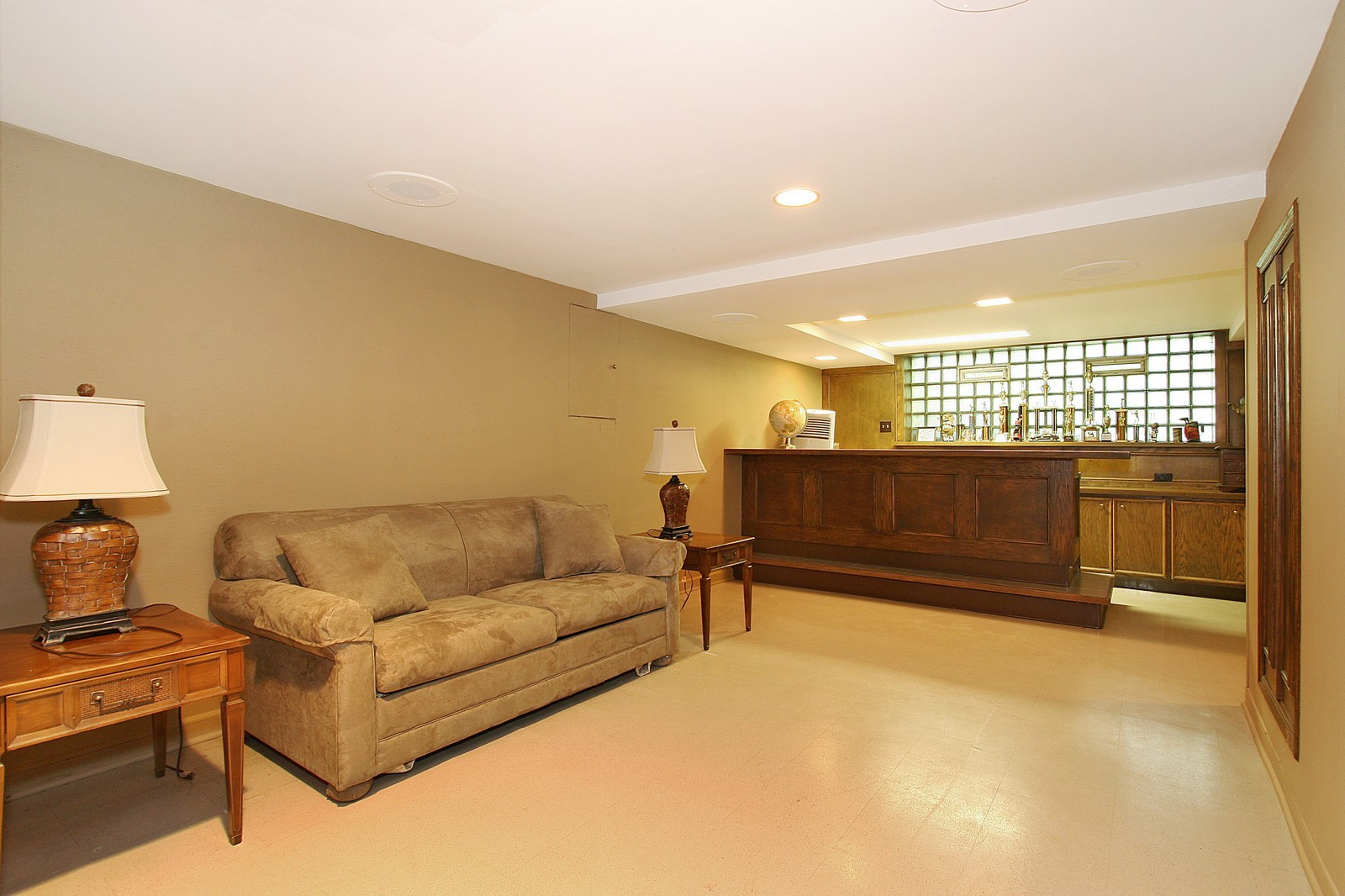 Real Estate Photography - 8929 S. Pleasant, Chicago, IL, 60643 - Recreational Room