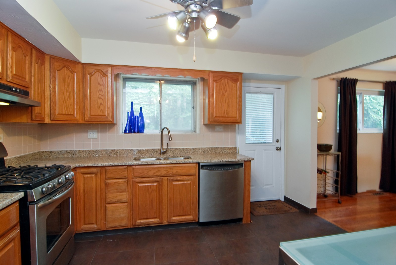 Real Estate Photography - 1787 W Touhy, B, Chicago, IL, 60626 - Kitchen