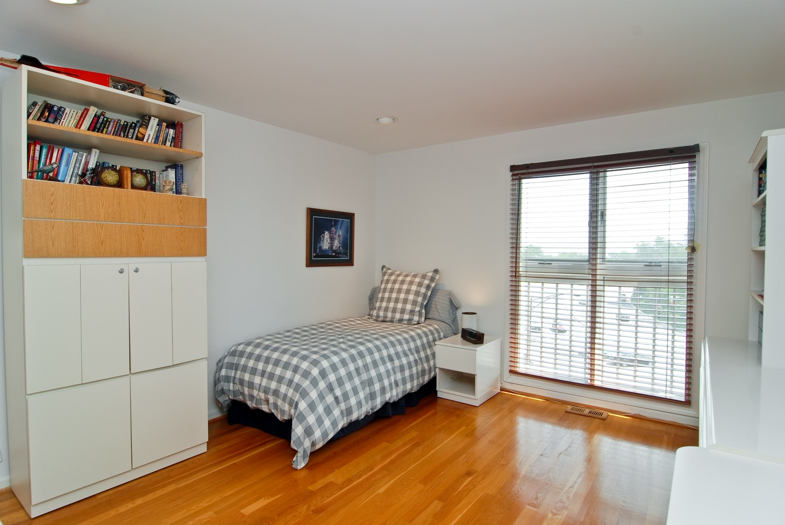 Real Estate Photography - 1720 N LaSalle, 25, Chicago, IL, 60614 - Unused