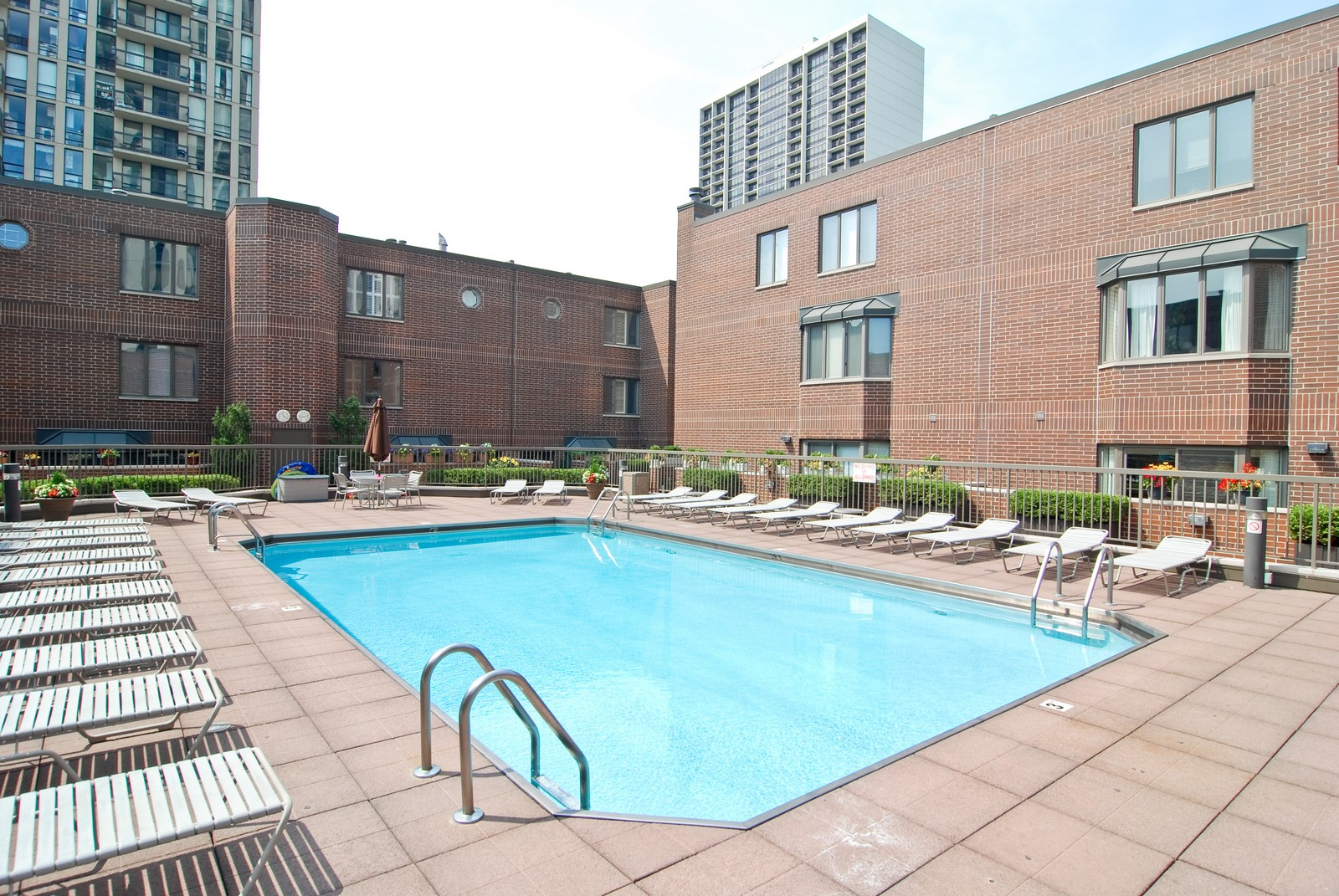 Real Estate Photography - 1720 N LaSalle, 25, Chicago, IL, 60614 - Pool