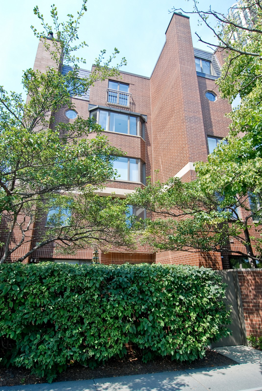 Real Estate Photography - 1720 N LaSalle, 25, Chicago, IL, 60614 - Front View