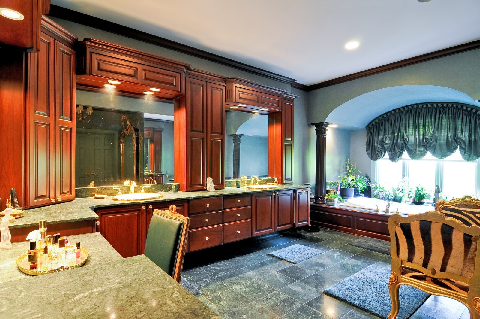 Real Estate Photography - 1390 Kathryn, Lake Forest, IL, 60045 - Master Bathroom