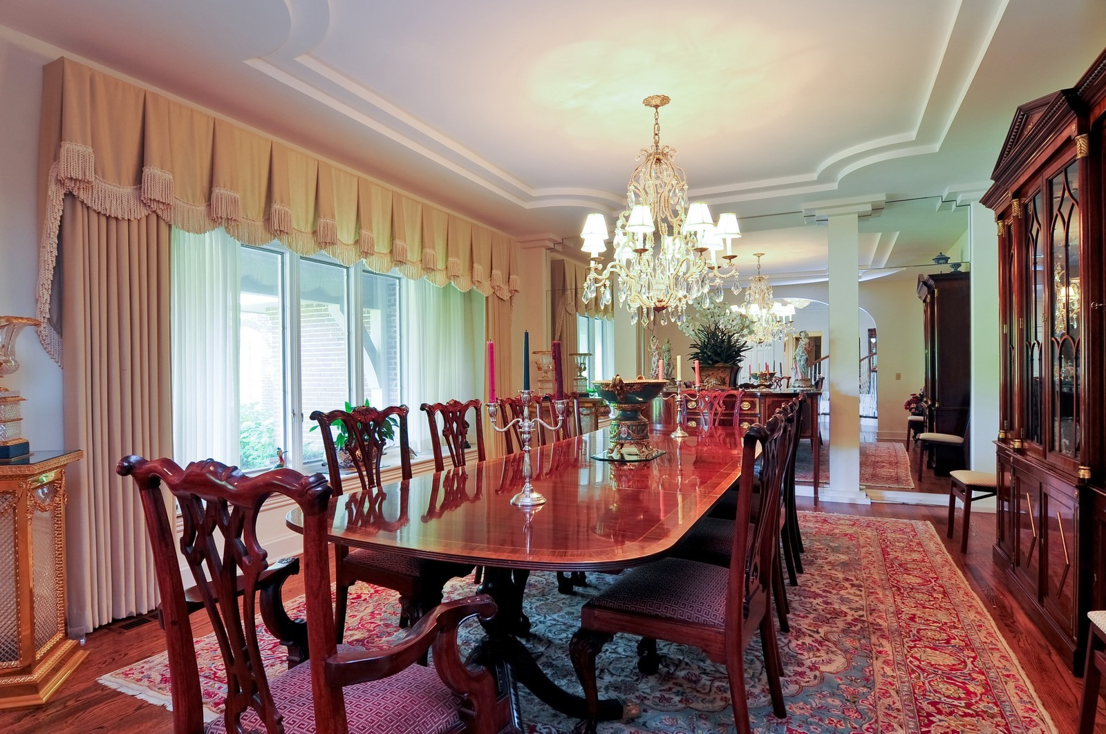 Real Estate Photography - 1390 Kathryn, Lake Forest, IL, 60045 - Dining Room