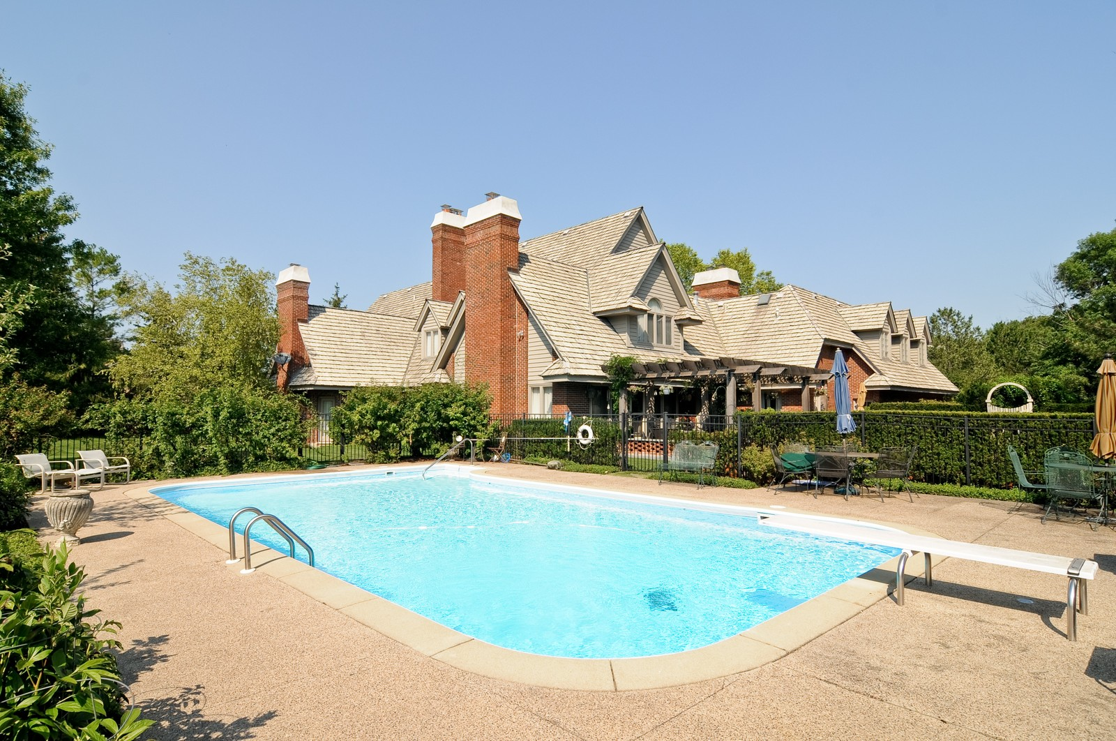 Real Estate Photography - 1390 Kathryn, Lake Forest, IL, 60045 - Pool