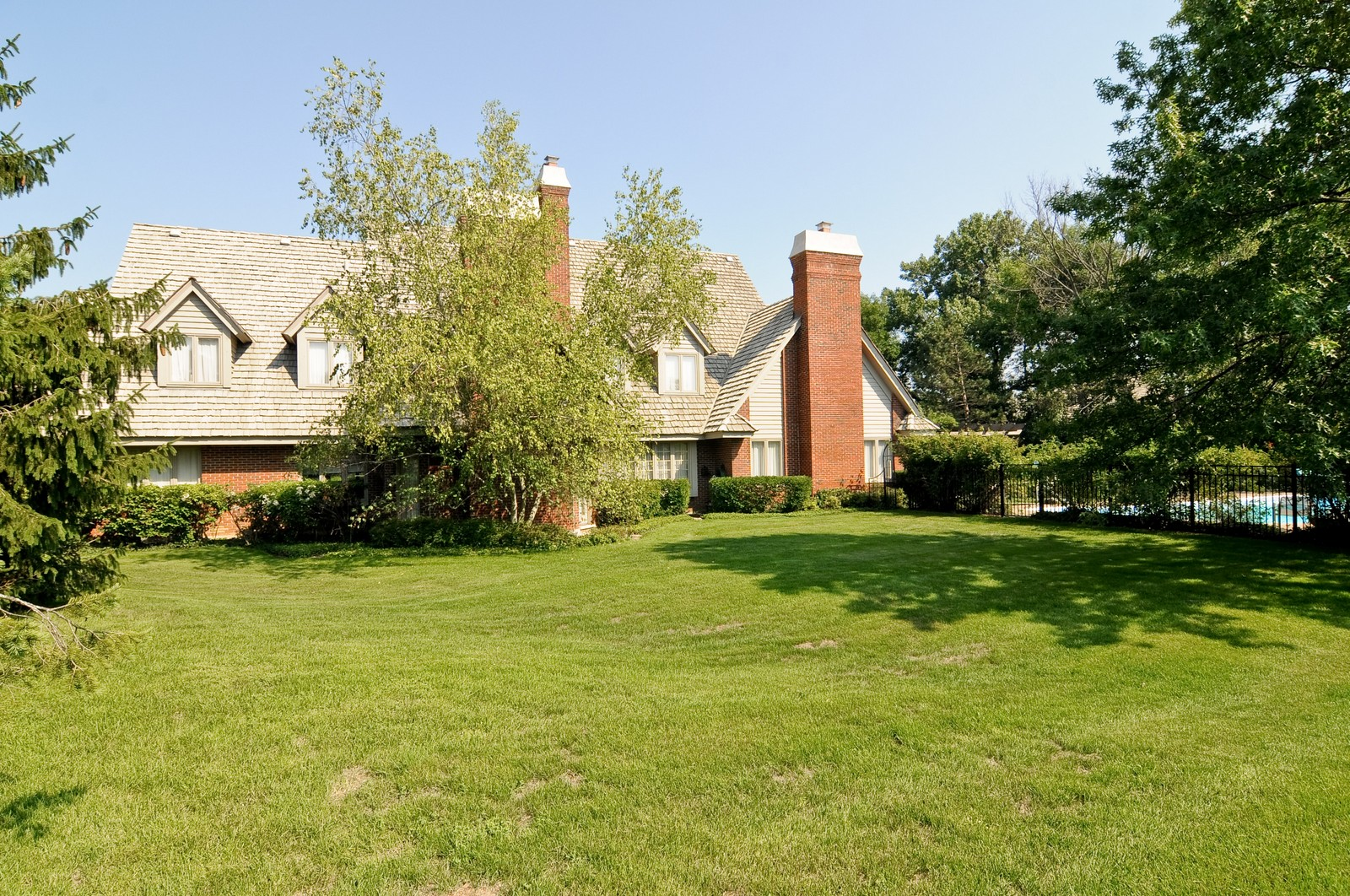 Real Estate Photography - 1390 Kathryn, Lake Forest, IL, 60045 - Rear View