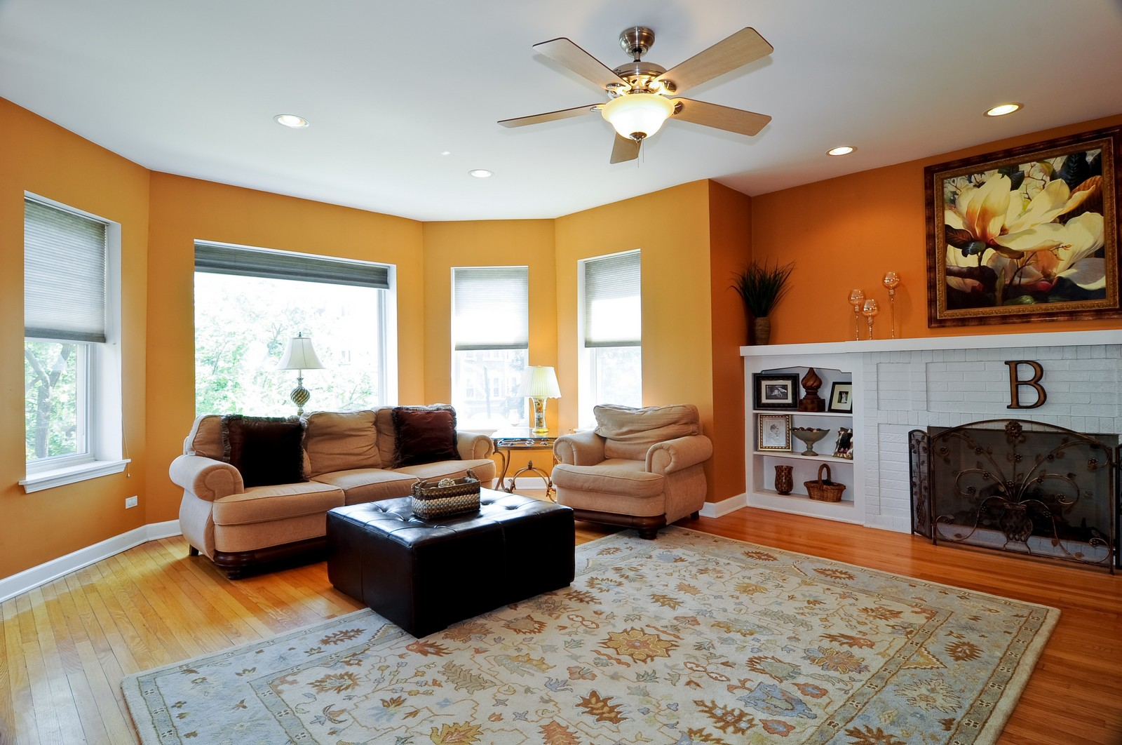 Real Estate Photography - 4912 N. St. Louis Ave, 2S, Chicago, IL, 60625 - Living Room