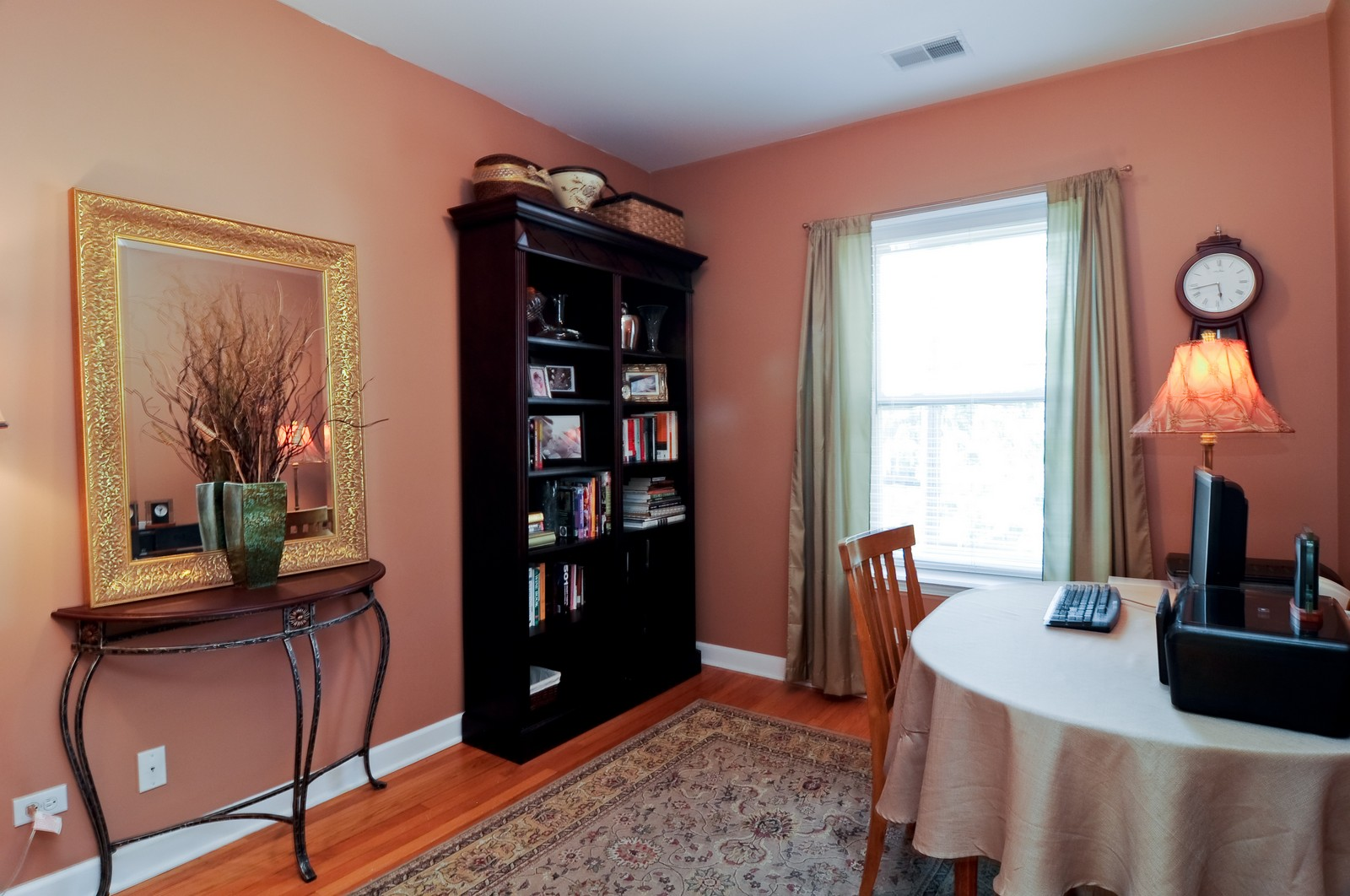 Real Estate Photography - 4912 N. St. Louis Ave, 2S, Chicago, IL, 60625 - 2nd Bedroom