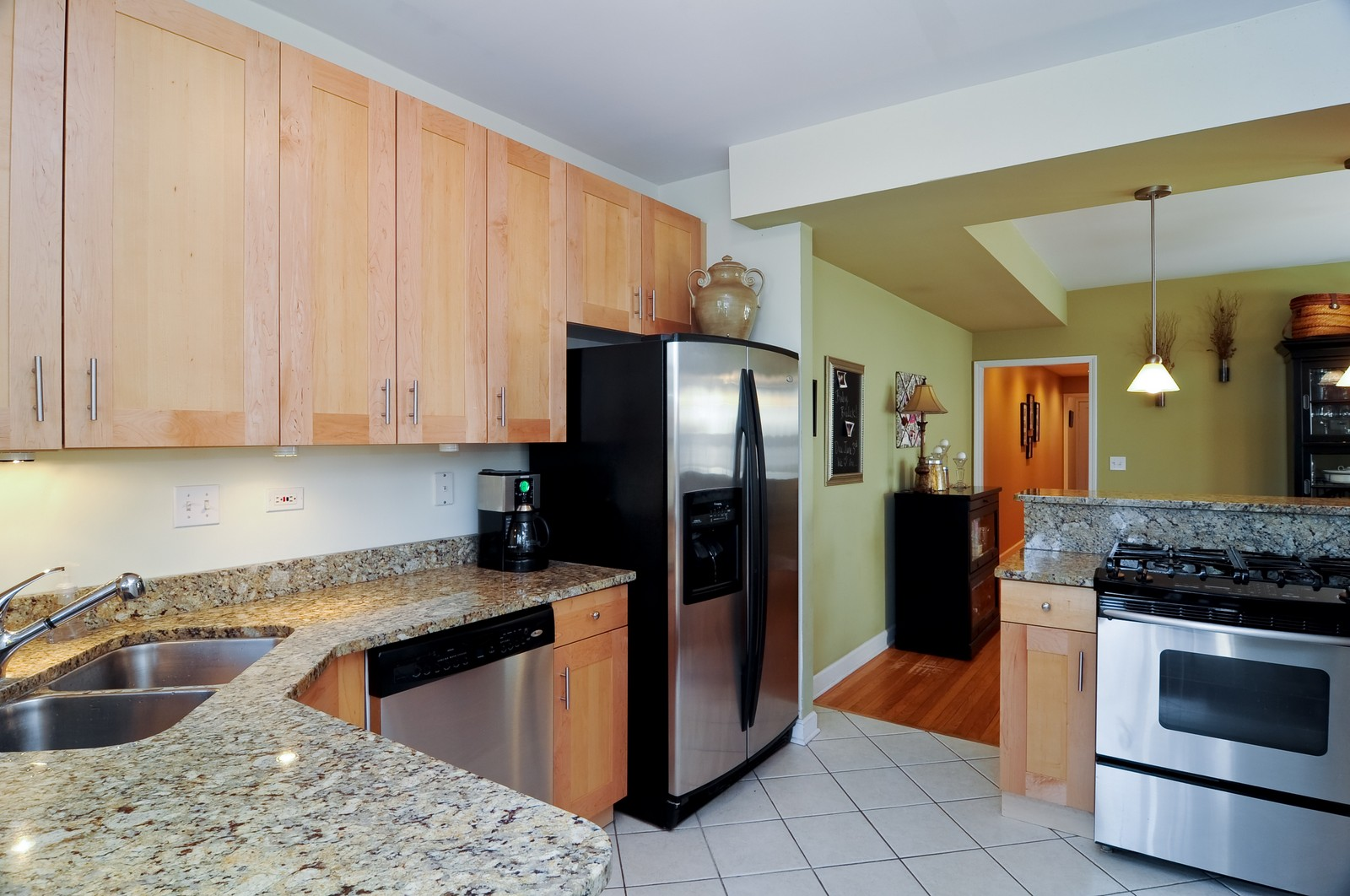 Real Estate Photography - 4912 N. St. Louis Ave, 2S, Chicago, IL, 60625 - Kitchen