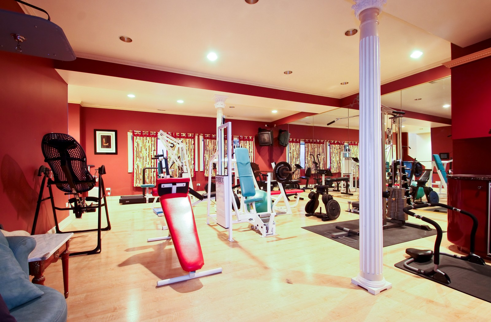 Real Estate Photography - 985 Sheridan Road, Highland Park, IL, 60035 - Fitness Room