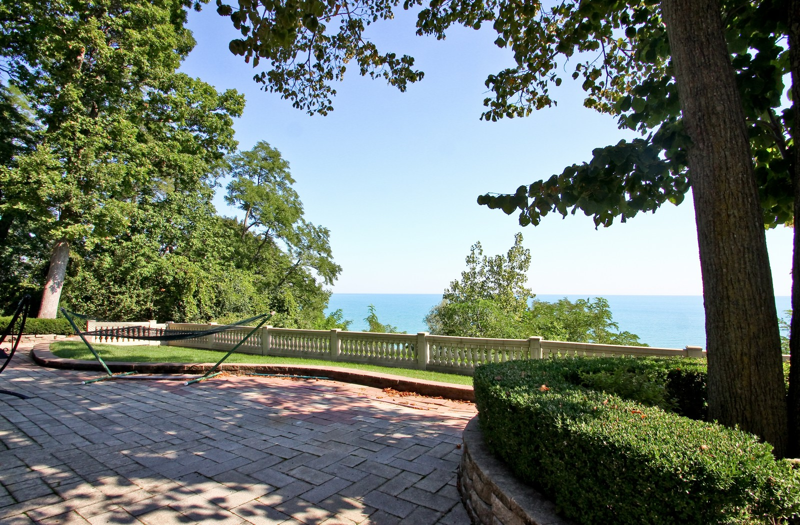 Real Estate Photography - 985 Sheridan Road, Highland Park, IL, 60035 - Lake View