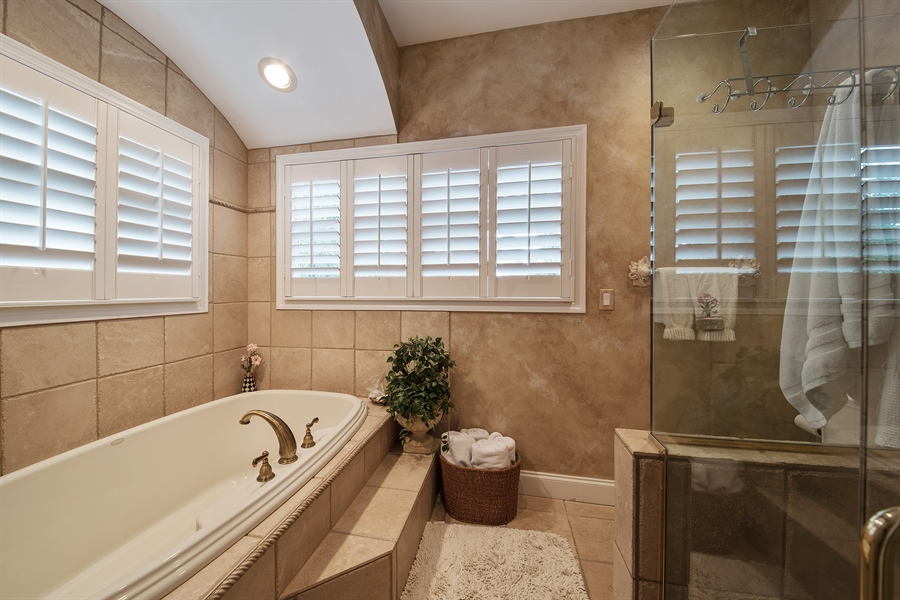 Real Estate Photography - 14 Golf Cottage Drive, naples, FL, 34105 - Master Bathroom