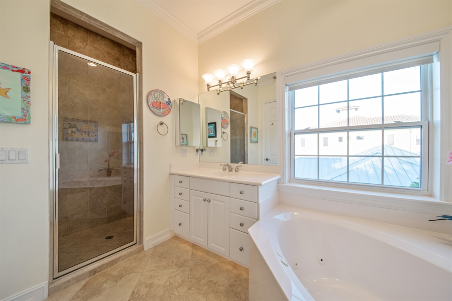 Real Estate Photography - 430 Willet, Naples, FL, 34108 - Bathroom