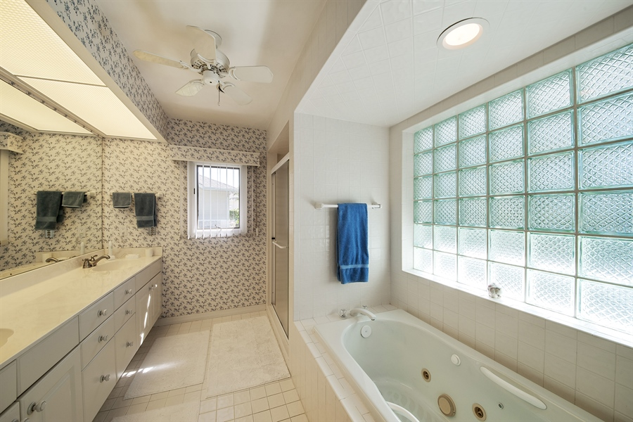 Real Estate Photography - 2095 Imperial Circle, Naples, FL, 34110 - Master Bathroom