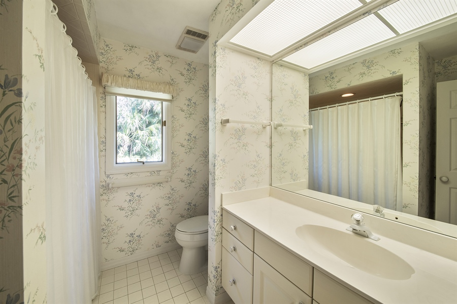 Real Estate Photography - 2095 Imperial Circle, Naples, FL, 34110 - Bathroom