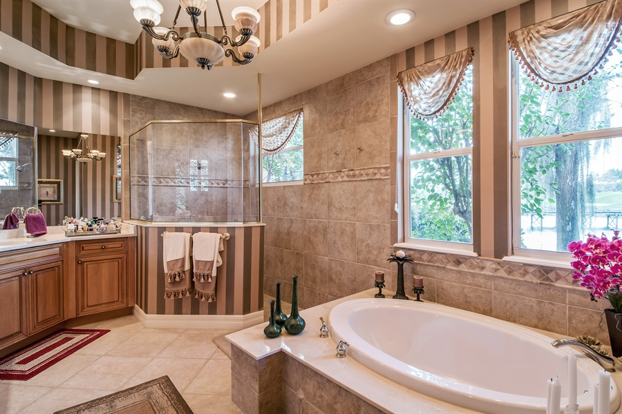 Real Estate Photography - 3071 TERRAMAR DR, NAPLES, FL, 34119 - Master Bathroom