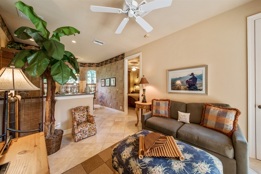 Real Estate Photography - 3071 TERRAMAR DR, NAPLES, FL, 34119 - Great Room