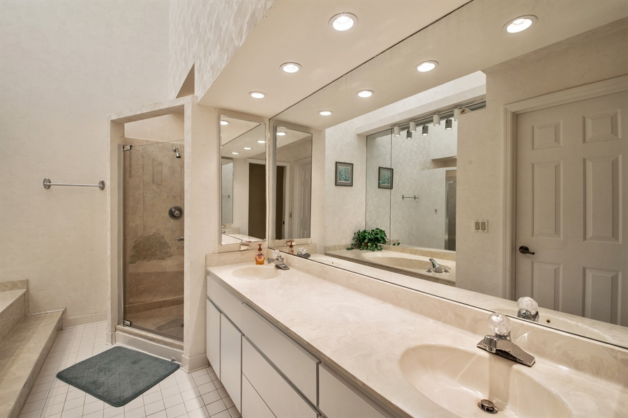 Real Estate Photography - 344 edgemere way north, naples, FL, 34105 - Master Bathroom