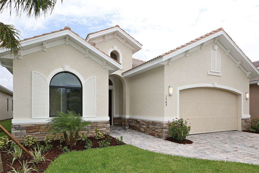 Real Estate Photography - 1509 Serrano Cir, Naples, FL, 34105 - Front View