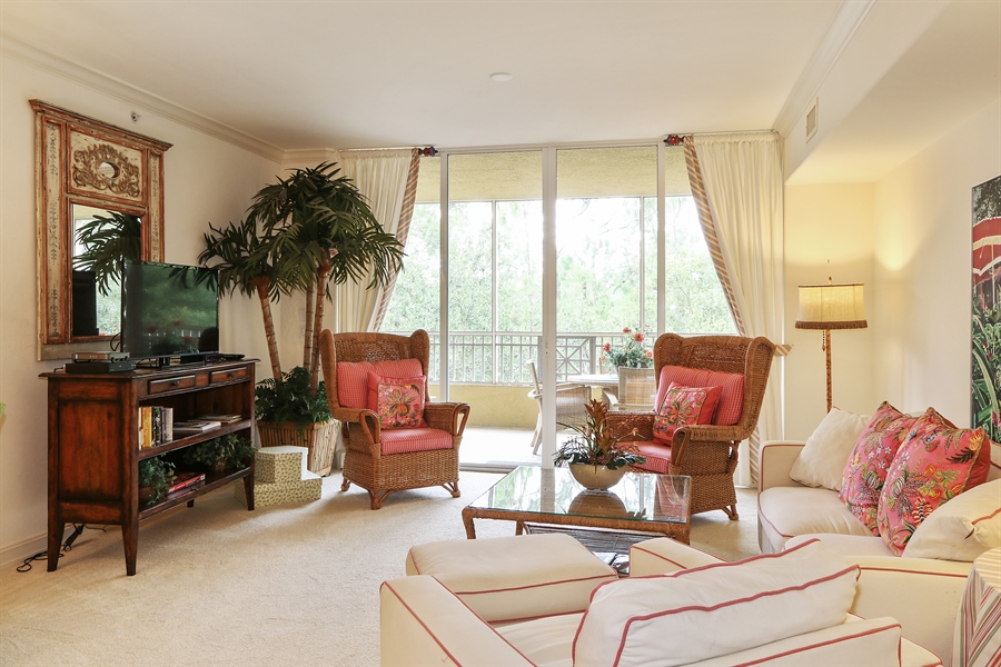 Real Estate Photography - 2738 TIBURON BLVD E, B-204, Naples, FL, 34109 - Living Room