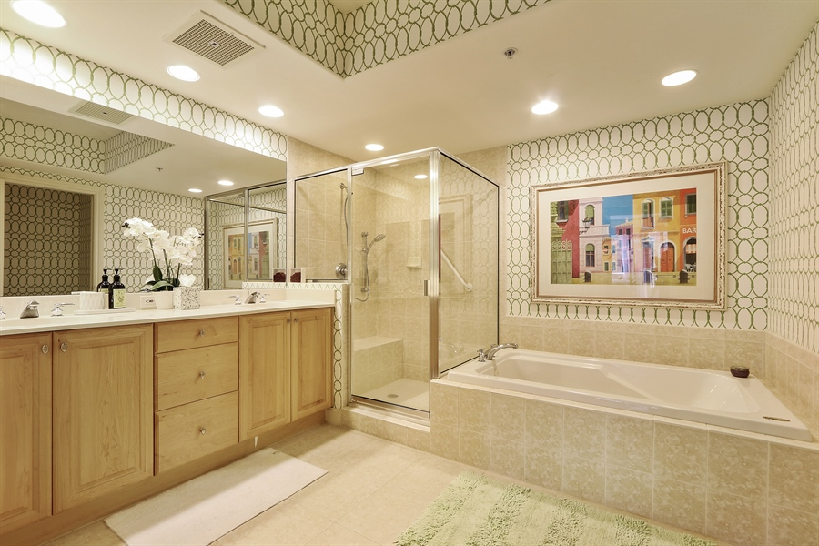 Real Estate Photography - 2738 TIBURON BLVD E, B-204, Naples, FL, 34109 - Master Bathroom