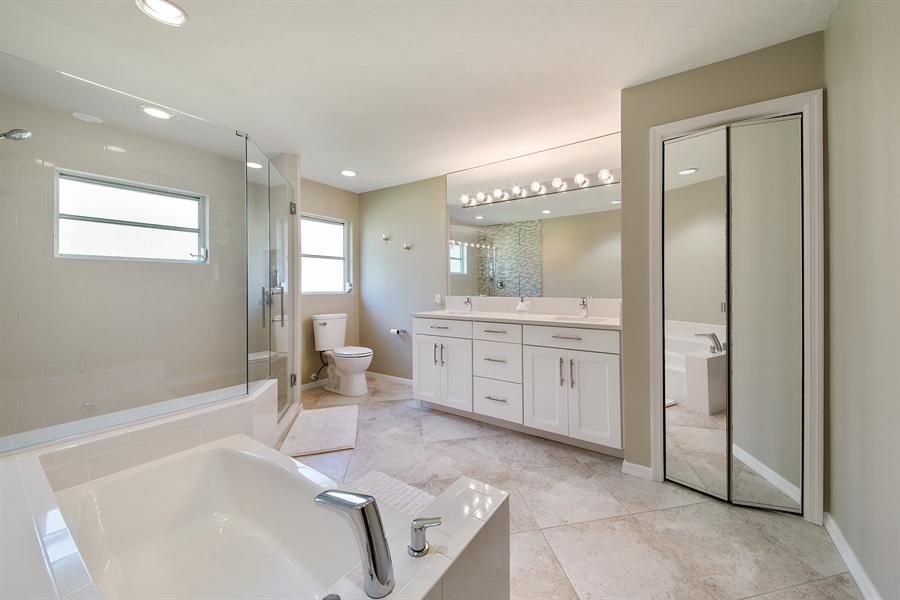 Real Estate Photography - 2666 Outrigger Ln, Naples, FL, 34104 - Master Bathroom