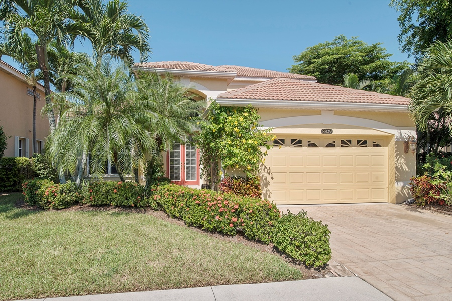 Real Estate Photography - 8829 Ventura Way, Naples, FL, 34109 - Front View