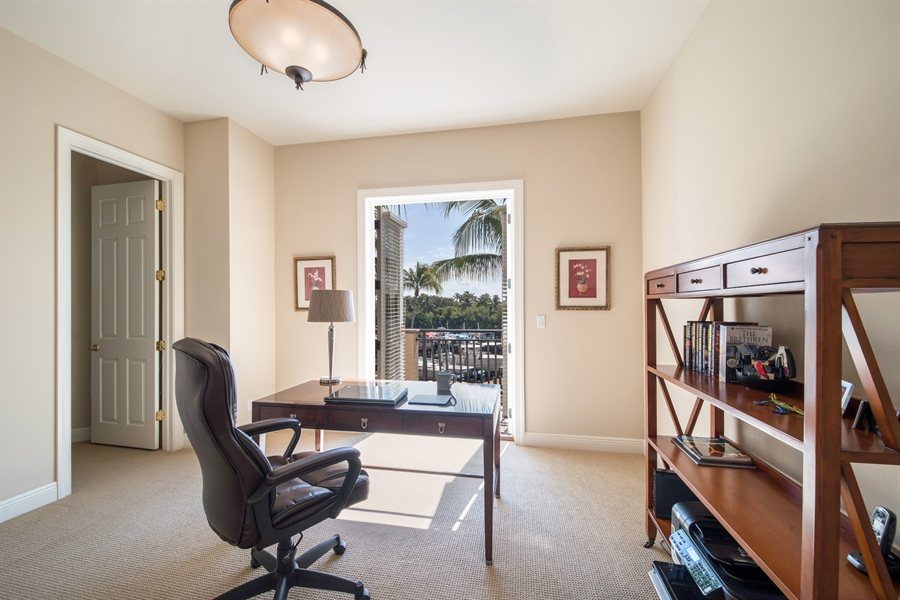 Real Estate Photography - 27640 Marina Isle Ct, Bonita Springs, FL, 34134 - Office