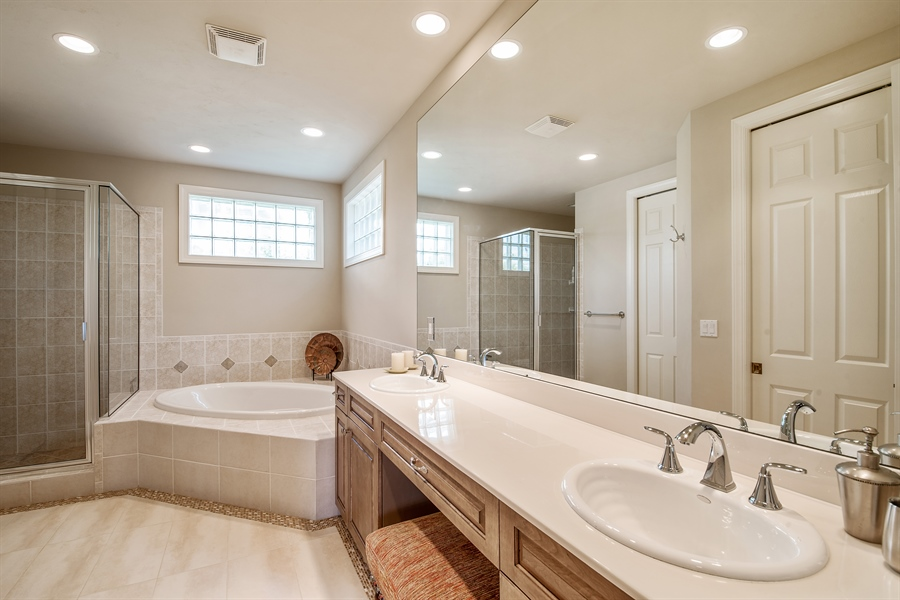 Real Estate Photography - 27640 Marina Isle Ct, Bonita Springs, FL, 34134 - Bathroom