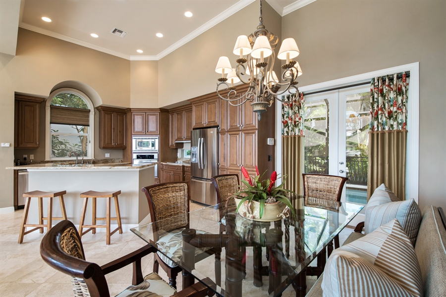 Real Estate Photography - 27640 Marina Isle Ct, Bonita Springs, FL, 34134 - Kitchen / Dining Room