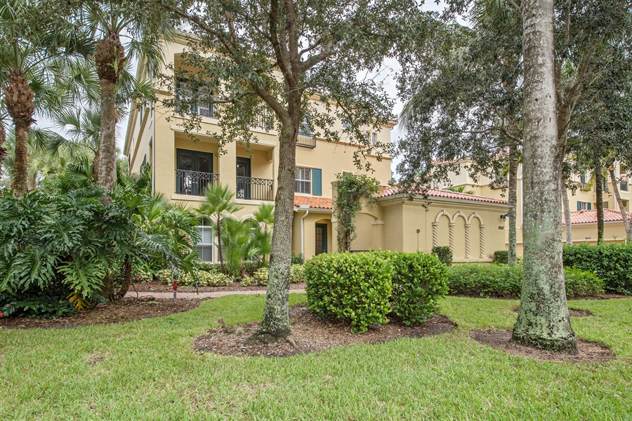 Real Estate Photography - 2850 Tiburon Blvd, 103, Naples, FL, 34109 - Front View