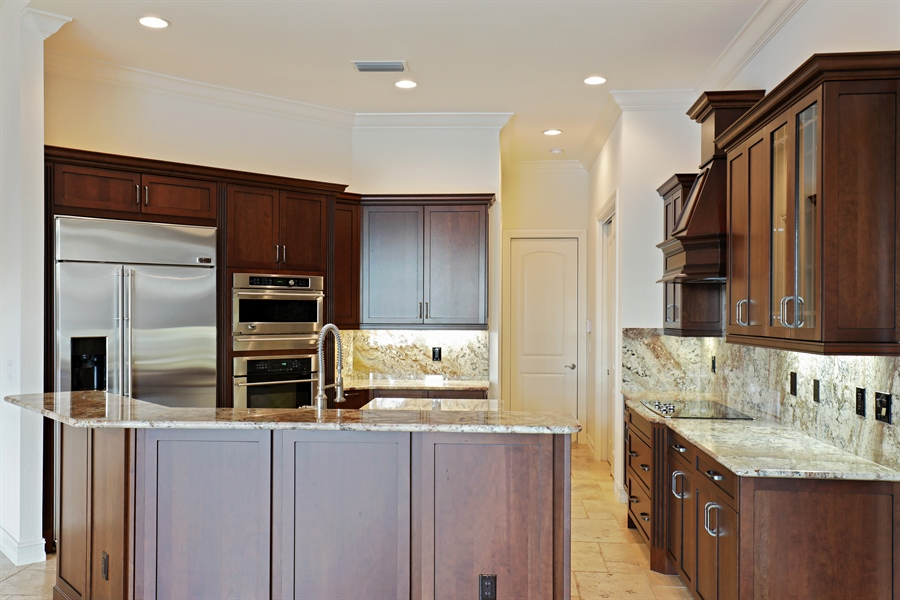 Real Estate Photography - 6037 Sunnyslope, Naples, FL, 34119 - Kitchen