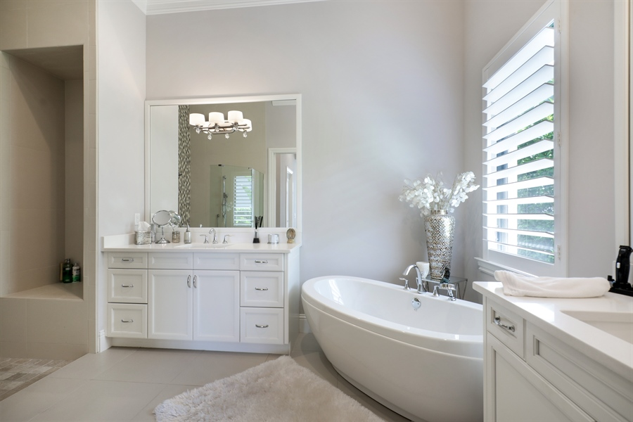 Real Estate Photography - 28886 Blaisdell, Naples, FL, 34119 - Master Bathroom